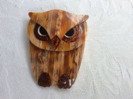 Buba The Owl - Brooch by Lea Stein of Paris - brown with red sparkle